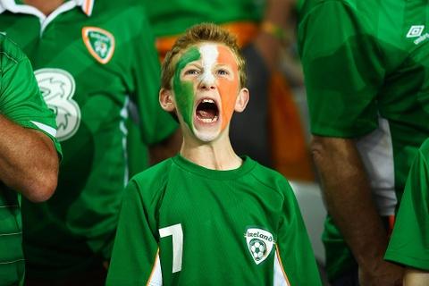 CDV tran nuoc mat khi CH Ireland danh bai Italy hinh anh 5