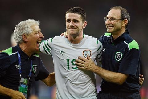 CDV tran nuoc mat khi CH Ireland danh bai Italy hinh anh 3