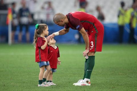 Doi hinh trong mo o tu ket Euro 2016 hinh anh 4