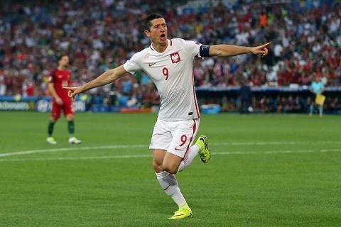 Doi hinh trong mo o tu ket Euro 2016 hinh anh 11