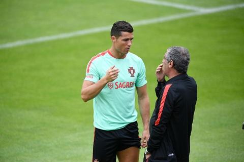 Ronaldo chay leo doc ren the luc truoc ban ket Euro 2016 hinh anh 7
