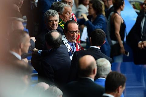 Ronaldo om hon Sir Alex sau chung ket Euro 2016 hinh anh 8