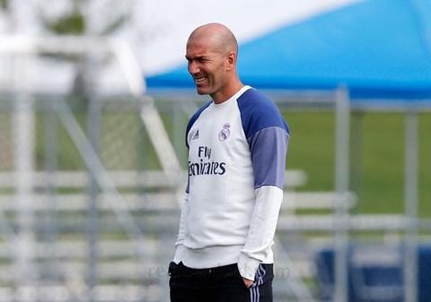 Zidane cho cau thu Real chay bo, leo doc ren the luc hinh anh