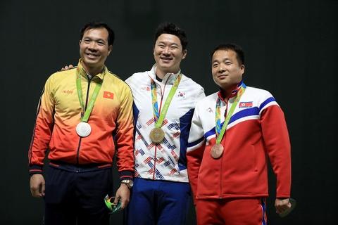 Hoang Xuan Vinh gay an tuong manh voi tam HCB Olympic hinh anh 7