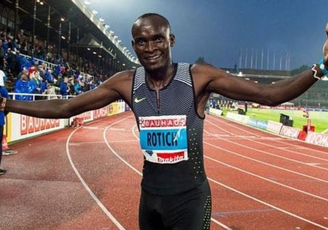HLV bi duoi ve nuoc vi thay VDV Olympic thu doping hinh anh