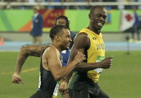'Tia chop' Bolt tiep tuc cuoi doi thu khi ve nhat o Olympic hinh anh 2
