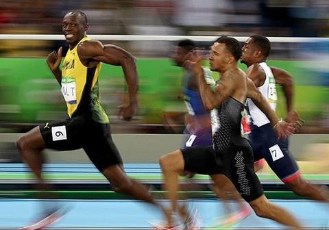 'Tia chop' Bolt tiep tuc cuoi doi thu khi ve nhat o Olympic hinh anh 1