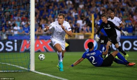 Leicester thang 3-0, dan dau bang o Champions League hinh anh 4