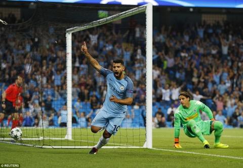 Aguero ghi 3 ban, Man City cua Guardiola ra quan hoan hao hinh anh 3