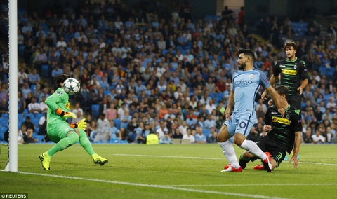 Aguero ghi 3 ban, Man City cua Guardiola ra quan hoan hao hinh anh 4