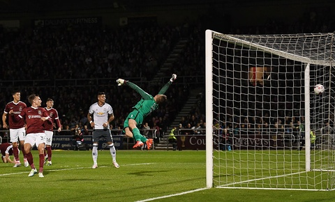 Rashford ghi ban giup MU thang 3-1 tai League Cup hinh anh 5