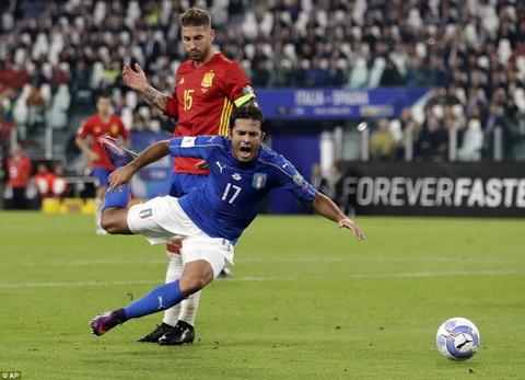 Buffon mac sai lam, Italy may man khong thua Tay Ban Nha hinh anh 10