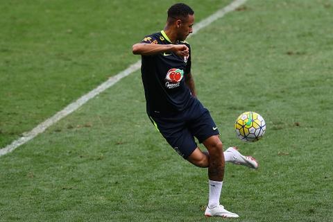 Neymar tro lai tap luyen sau khi sut tung luoi Argentina hinh anh 1
