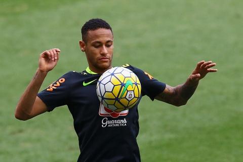Neymar tro lai tap luyen sau khi sut tung luoi Argentina hinh anh 4