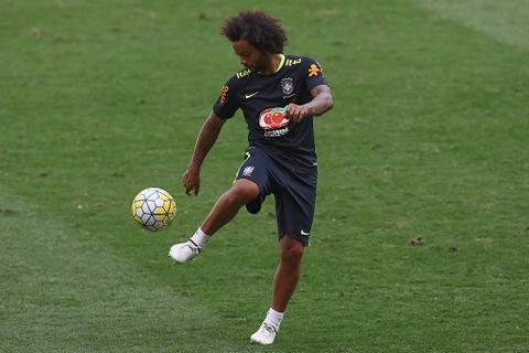 Neymar tro lai tap luyen sau khi sut tung luoi Argentina hinh anh 6