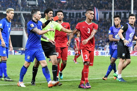 Thai Lan an ui cau thu Indonesia sau chung ket AFF Cup hinh anh 3