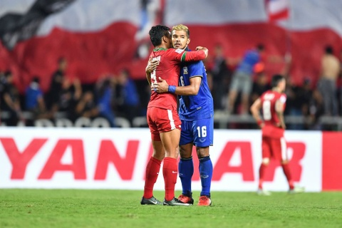 Thai Lan an ui cau thu Indonesia sau chung ket AFF Cup hinh anh 2
