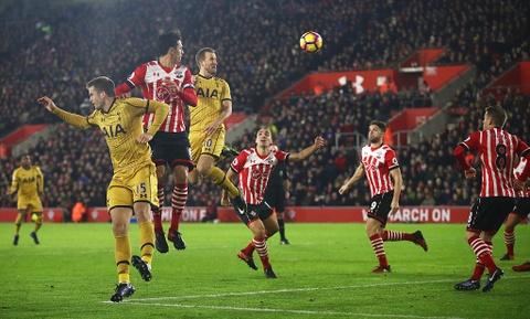 Harry Kane giup Tottenham de doa vi tri cua Arsenal hinh anh 5