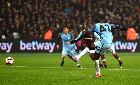 Aguero ghi ban dep mat, Man City thang West Ham 5-0 hinh anh 4