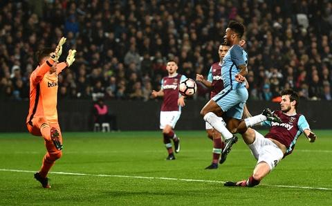 Aguero ghi ban dep mat, Man City thang West Ham 5-0 hinh anh 5