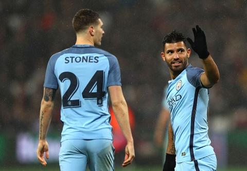 Aguero ghi ban dep mat, Man City thang West Ham 5-0 hinh anh 7