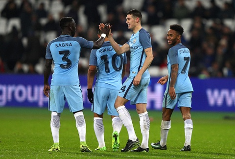 Aguero ghi ban dep mat, Man City thang West Ham 5-0 hinh anh 8