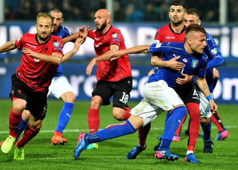 Buffon giu sach luoi trong tran thu 1000, Italy thang 2-0 hinh anh 9