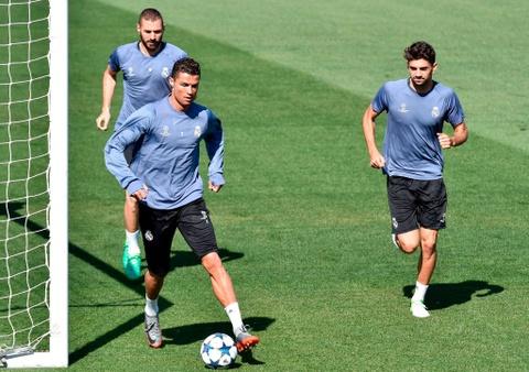Ronaldo tro lai, san sang giup Real ha Bayern them lan nua hinh anh 2