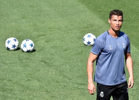 Ronaldo tro lai, san sang giup Real ha Bayern them lan nua hinh anh 5