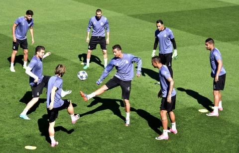 Ronaldo tro lai, san sang giup Real ha Bayern them lan nua hinh anh 6