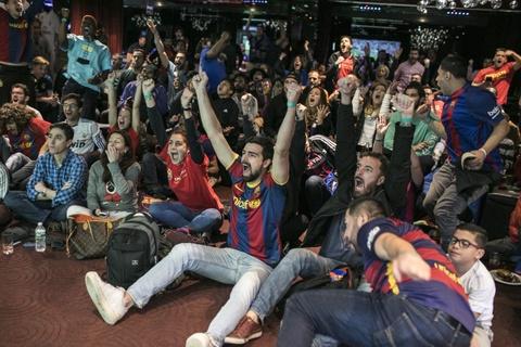 Fan Barca an mung phan khich nhu co cup vo dich La Liga hinh anh 2