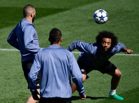 Ronaldo da bong ma dinh cao truoc khi doi dau Atletico hinh anh 5
