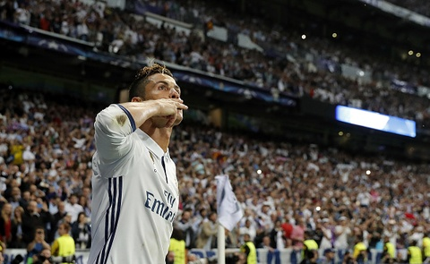 Ronaldo an mung nhu vi vua, noi co dong vien ngung la o hinh anh 2