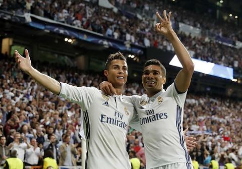 Ronaldo an mung nhu vi vua, noi co dong vien ngung la o hinh anh 4