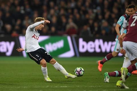 Tottenham hut hoi trong cuoc dua vo dich sau tran thua West Ham hinh anh 3