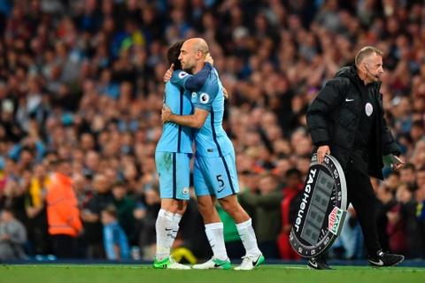 Man City dan diem trong cuoc dua gianh ve Champions League hinh anh 6