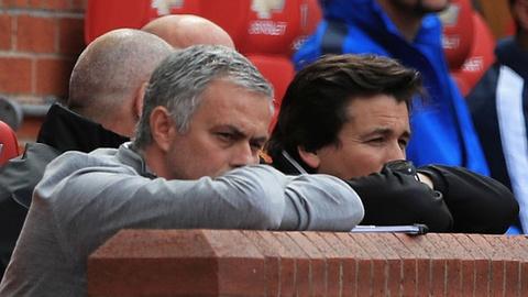 Mourinho lo lang vi chung ket Europa League du MU thang 2-0 hinh anh