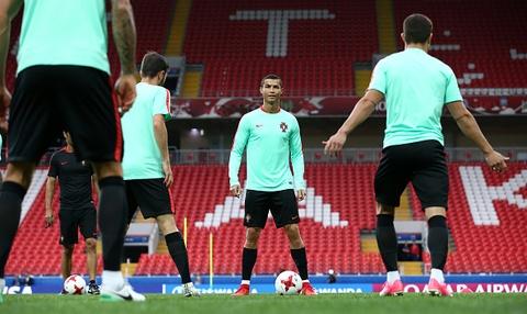 Ronaldo van vui ve du nhan thong bao hau toa hinh anh 4