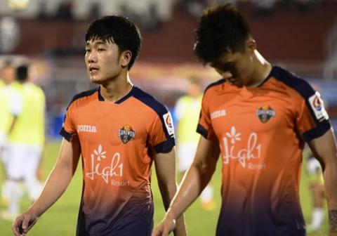 Xuan Truong choi 66 phut, CLB Gangwon co tran thang 2-1 hinh anh