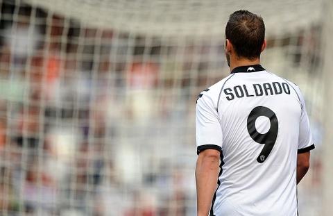 Nhung tien dao chiu 'loi nguyen' so 9 o Real Madrid hinh anh 6