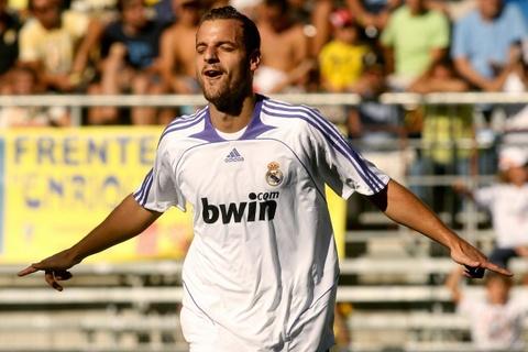 Nhung tien dao chiu 'loi nguyen' so 9 o Real Madrid hinh anh 5