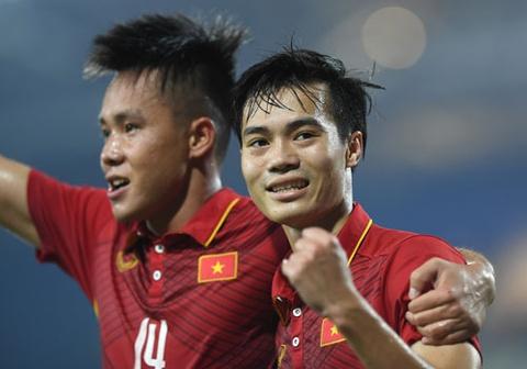 U22 VN vs Ngoi sao K.League (1-0): Van Toan ghi ban hinh anh