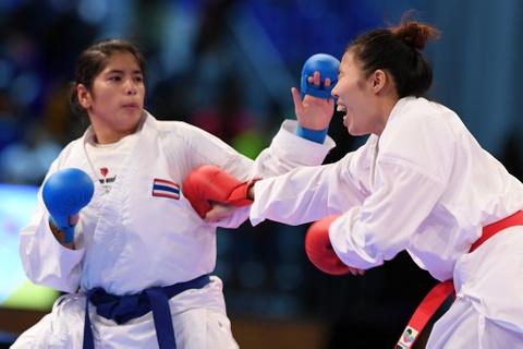 Thang ap dao doi thu Thai Lan, karate VN gianh 2 HCV hinh anh 1