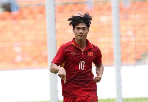 Cho ong Park Hang-seo 'kich no' Cong Phuong va Quang Hai hinh anh
