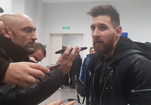 messi roi tuyen argentina hinh anh