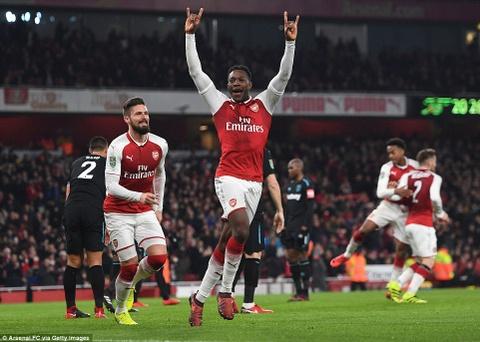 Welbeck ghi ban duy nhat, dua Arsenal vao ban ket League Cup hinh anh 2