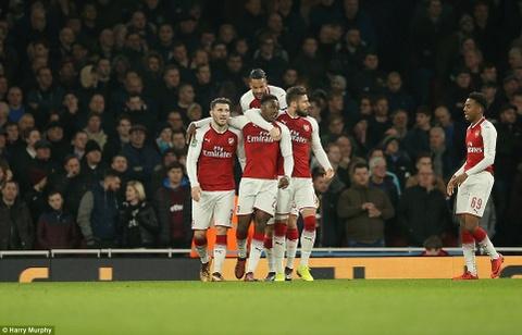 Welbeck ghi ban duy nhat, dua Arsenal vao ban ket League Cup hinh anh 11