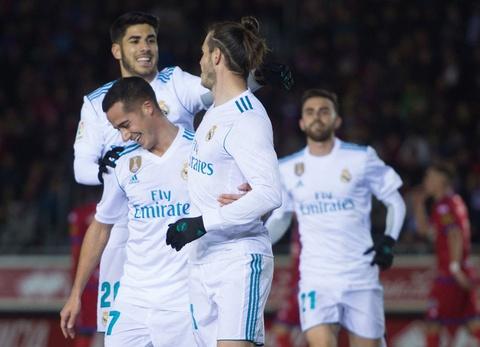Bale va Isco sut 11 m ghi ban, Real mo dau nam 2018 bang chien thang hinh anh 1