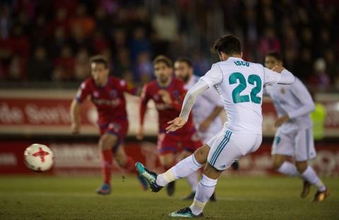 Bale va Isco sut 11 m ghi ban, Real mo dau nam 2018 bang chien thang hinh anh 7