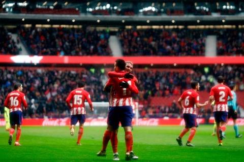 Diego Costa ghi ban va nhan the do trong tran Atletico thang 2-0 hinh anh 8